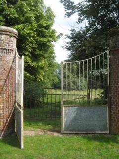 photo-grilles-parc-foncquevillers-1481